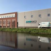 Gebouw En Vrachtwagen (1)